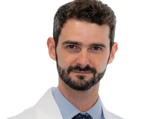 Dr. León Ezagüi